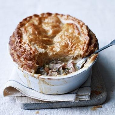 Chicken, Ham, and Tarragon Pie | A taste for...(2) (Juli) | Pinterest