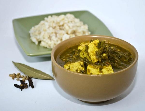 ... vegan tofu saag (dairy-free, oil-free) #vegan #tofu #Indianfood