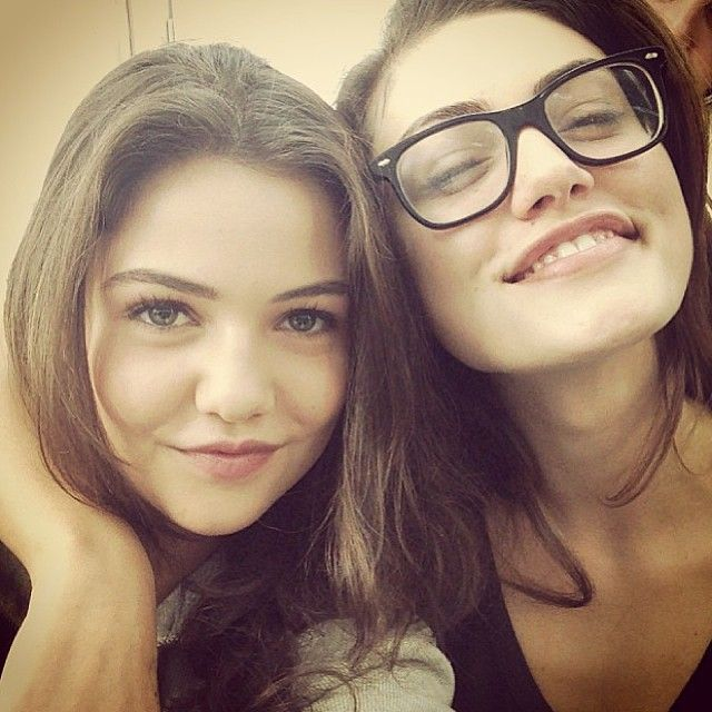 Danielle campbell and phoebe tonkin - photo#4