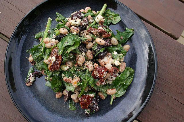 Greek Black-Eyed Peas Salad for dinner tonight thanks to Tasty Yummies ...