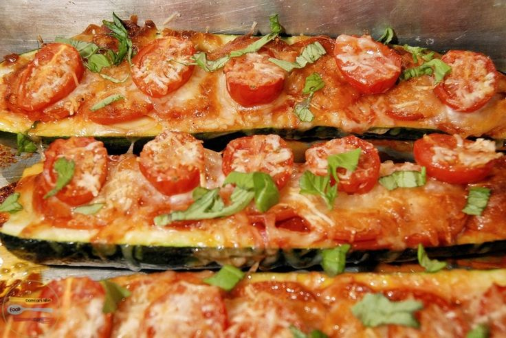 Really want to make these! Super easy zucchini pizza boat recipe