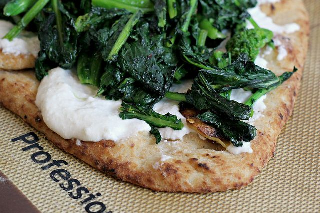 Flatebread Pizza with Broccoli Rabe and Ricotta (and a really great ...