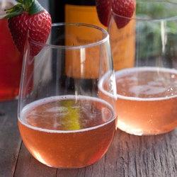 Strawberry Basil Sparkler   All things Boozey   Pinterest