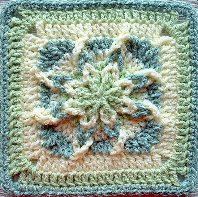 Free Amazing Star Crochet Pattern : Worked from the outside in. Crochet - granny squares ...