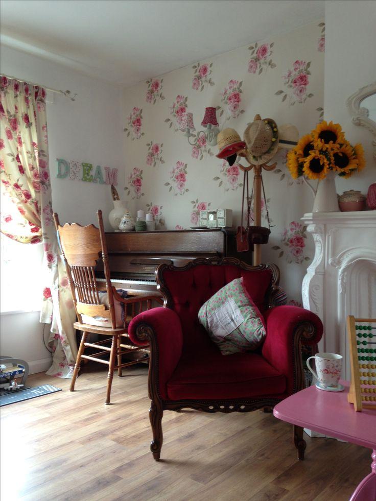 Shabby Chic Living Room Vintage Furniture Pinterest
