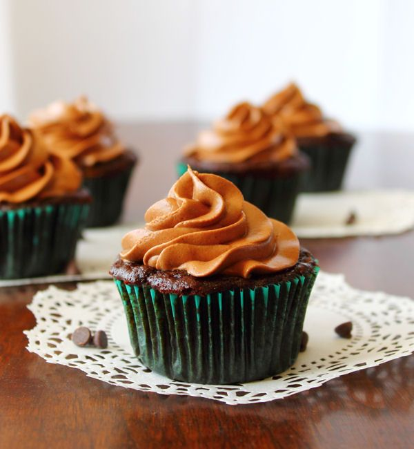 Chocolate Zucchini Cupcakes with Cream Cheese Frosting - http://www ...