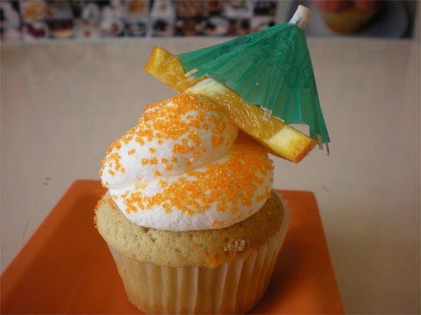 MIMOSA CUPCAKE - Peach cupcake stuffed with champagne mousse with ...