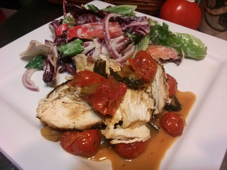 Chicken breast with tomato and garlic pan sauce: Chicken breasts ...