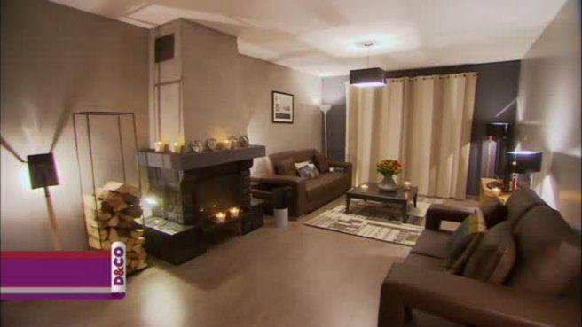 Dans le salon de Martine, Valérie Damidot choisit un ton gris foncé ...