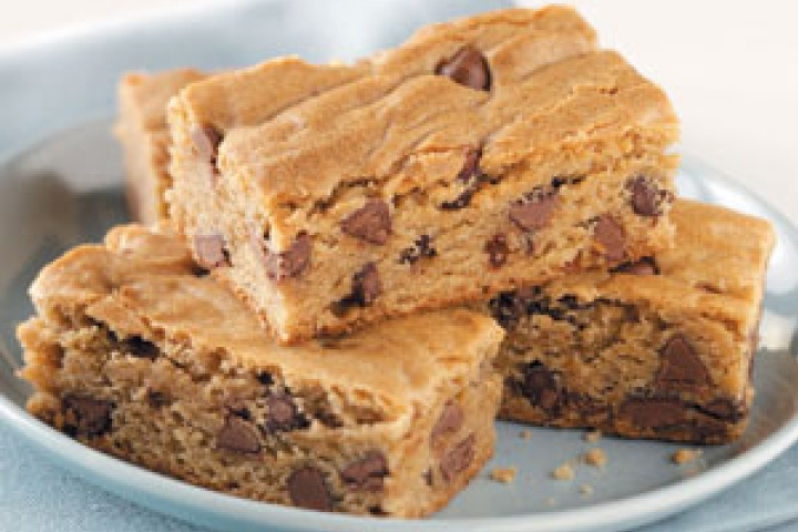 Candy Bar Cookie Squares | Delectable Sweets, cakes and desserts | Pi ...