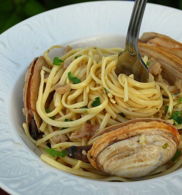 Linguine and Clam Sauce | Someone please cook for me | Pinterest