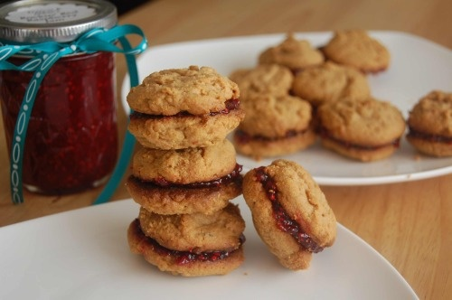 Flourless peanut butter and jelly sandwich cookies! #Glutenfree from @ ...