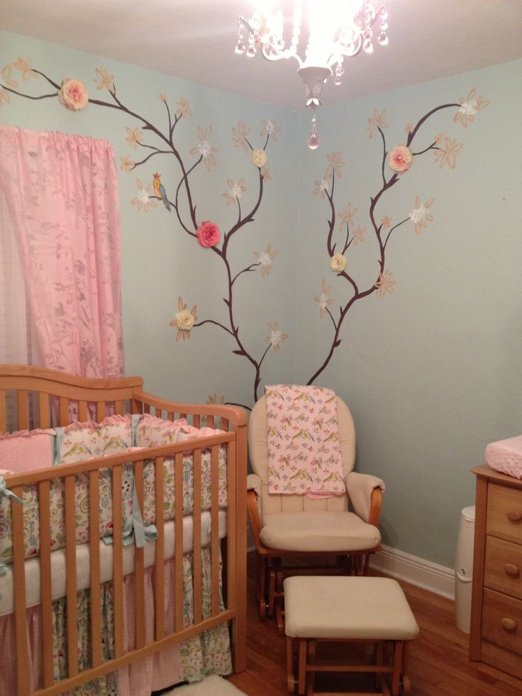 pretty painting shabby chic baby girl nursery and. Black Bedroom Furniture Sets. Home Design Ideas