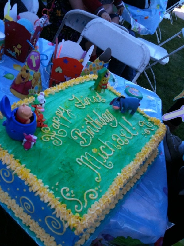 Full sheet cake. Vanilla. Pooh party. | Parties by Ruthie | Pinterest