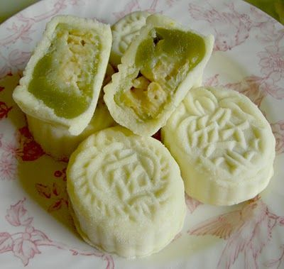 Snow Skin Durian Mooncake Recipe | Mooncake / Ping Pei | Pinterest
