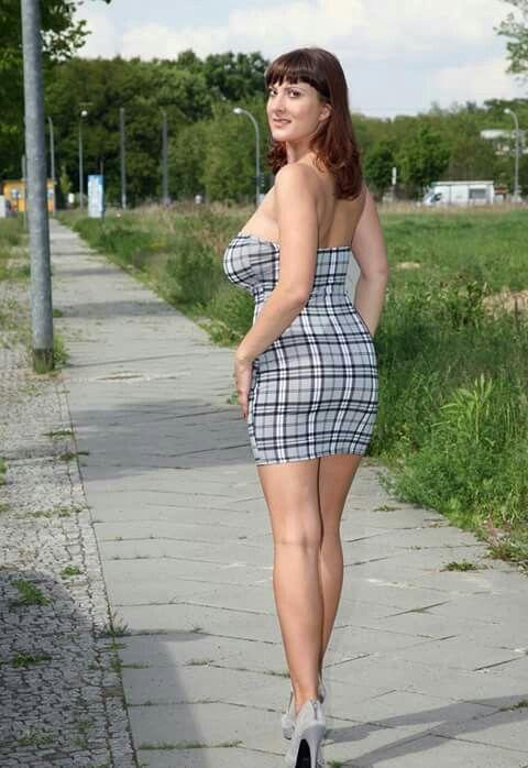 Lesbian European MILF pornstar Valory Irene and gf masturbate outdoors № 966668 бесплатно