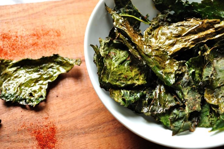 Smoked Paprika Kale Chips http://www.delightglutenfree.com/recipes?id ...