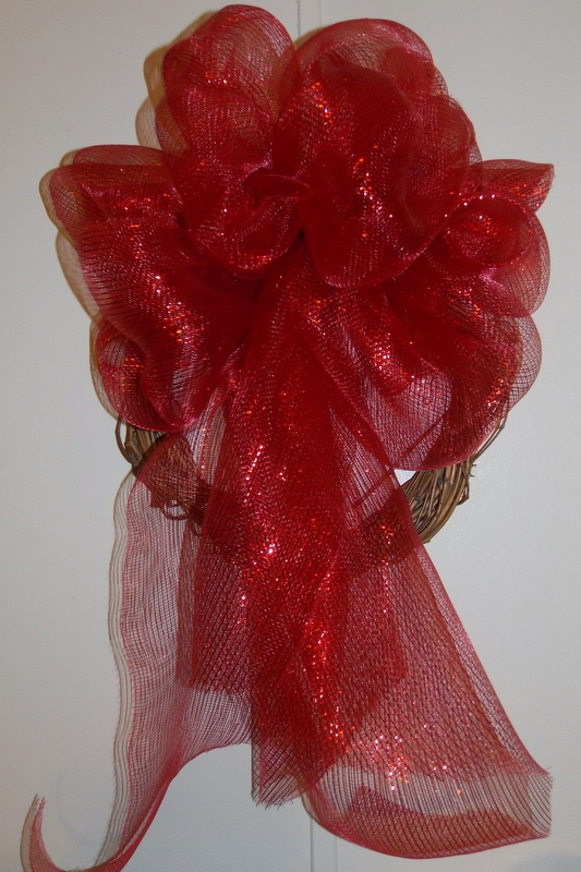 Elegant christmas valentines red wreath more things that interest m