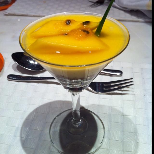 Peach brûlée | Food. Delicious and Yummy. | Pinterest