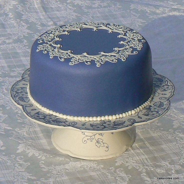 Velvet Cake Decor : Cake Decorating: Red Velvet Cake