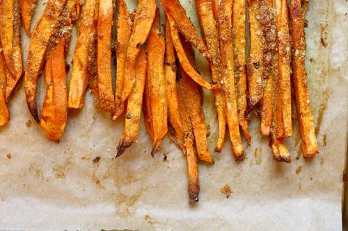 Baked Curry Sweet Potato Fries with Yogurt Dipping Sauce
