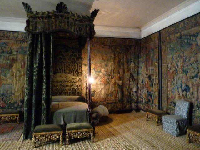 Hardwick hall green velvet bedroom history nerd junk for Velvet bedroom designs