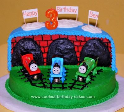 coolest thomas the train birthday cakes