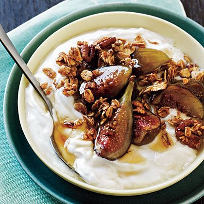 Granola with Honey-Scented Yogurt and Baked Figs   Recipe