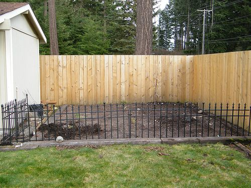 Garden before small garden fence ideas pinterest for Short garden fence designs