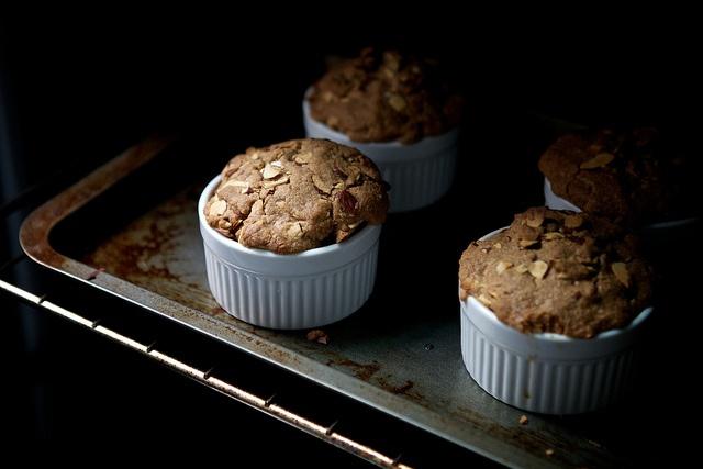 La Buena Vida: Apple Almond Crisp | Food Bloggers Sweet | Pinterest