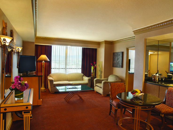 Tower luxury suite living room relux in our rooms for Sitting room suites