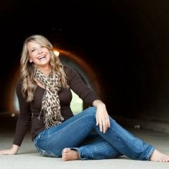 Senior Photography | Posing and Connecting with Your Clients | Great photo Ideas. Must study to keep in mind