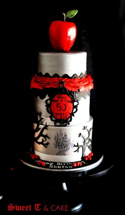 gothic snow white cake  www.facebook.com/SweetTandCake