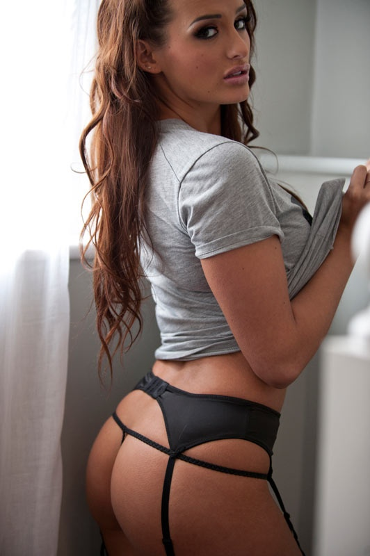 Brunette butt pics
