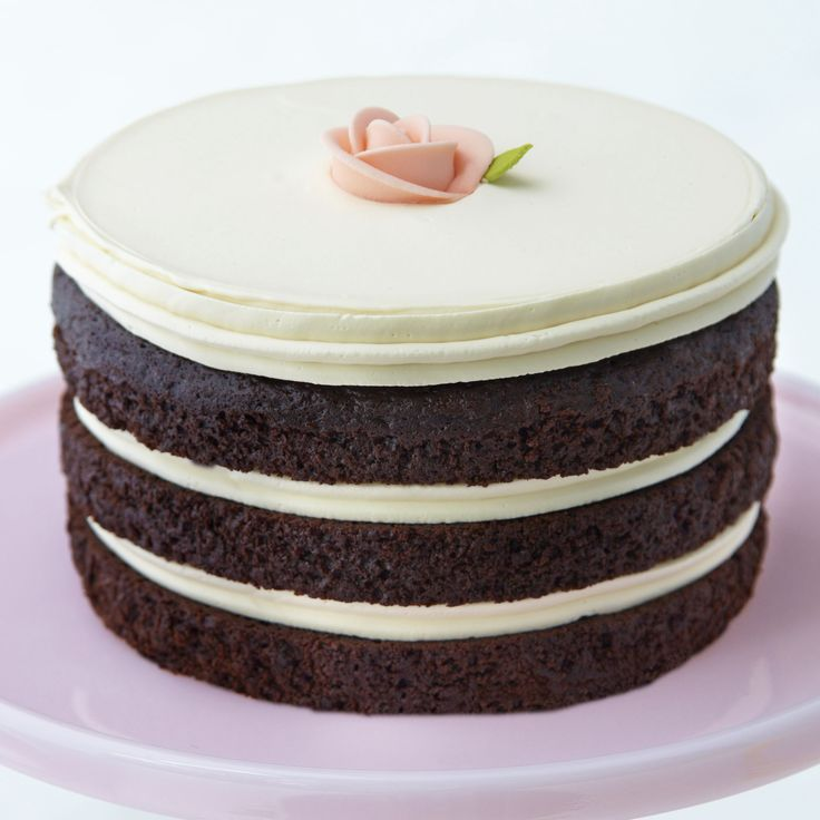 Vanilla Tomboy Cake from Miette Bakery. Would love to try.