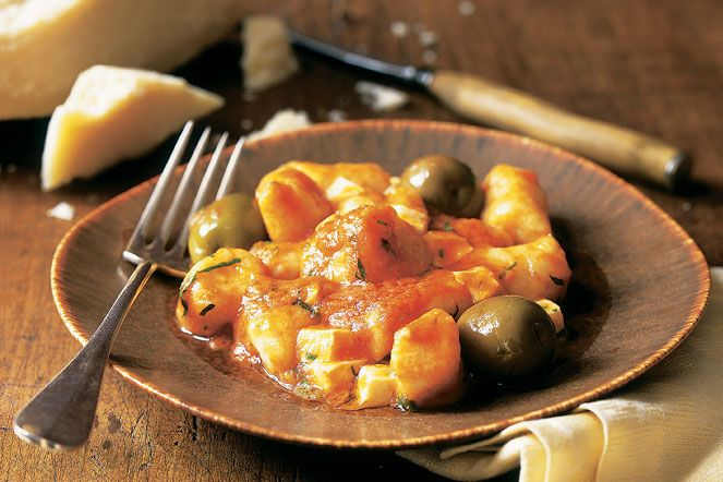 Bon Appétempt: Gnocchi with Fresh Tomatoes, Green Olives and Smoked ...