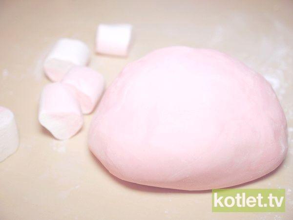 Masa marshmallows do dekoracji tortów