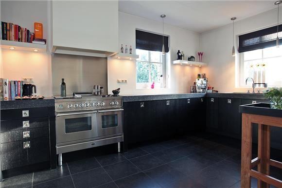 Black kitchen cabinets kitchen pinterest for Kitchen cabinets nl