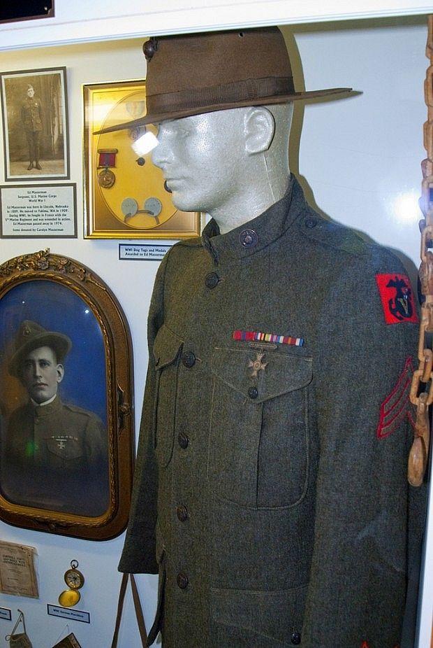 WWI Marine uniform with the 11th Marine Regiment, 5TH Marine Brigade ...