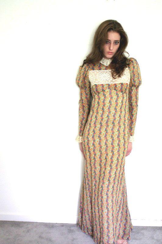 1970s Little House on the Prairie maxi dress: pinterest.com/pin/482940760014696297