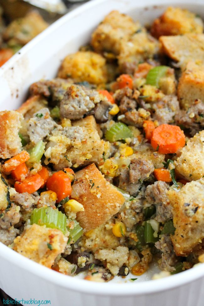 Cornbread and Sausage Stuffing for #thanksgiving