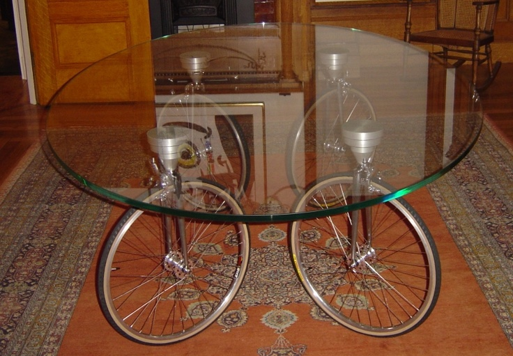 Bicycle wheel dining table recycled weird and wonderful for Bicycle wheel table