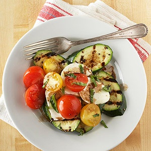 Grilled zucchini recipes. Caprese, Kabobs, Packets, Ribbons.