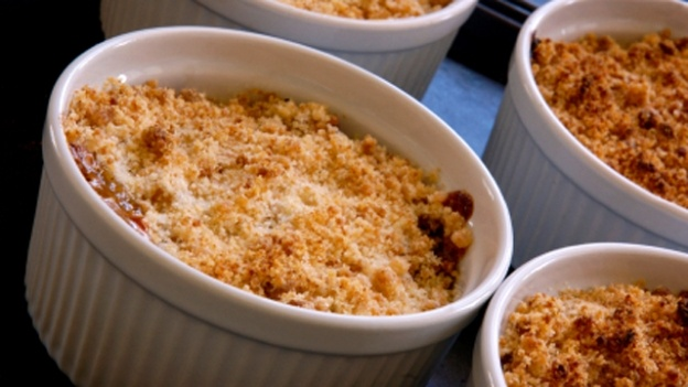 Apple and gooseberry crumble | Recipes | Pinterest