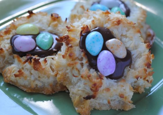 coconut nutella macaroon bird's nests | Recipes | Pinterest
