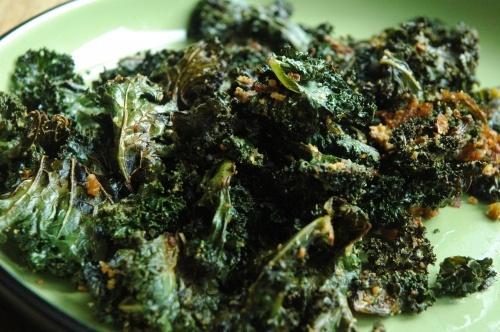 Garlic Parmesan Kale Chips! planning on making these bad boys tonight ...