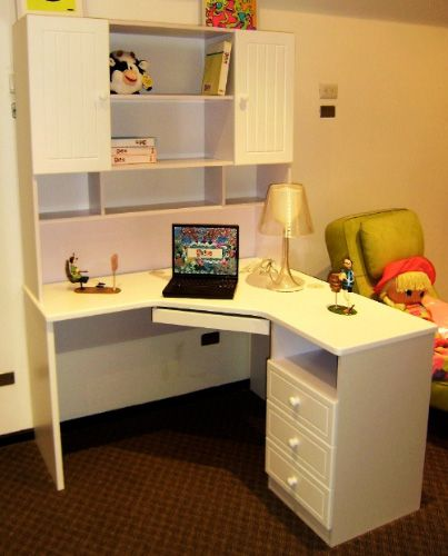 Pin escritorio esquinero blanco on pinterest - Escritorio en esquina ...