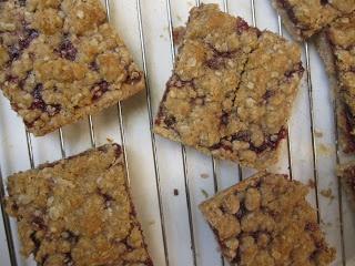 Raspberry Streusel Bars | Baking Ideas | Pinterest