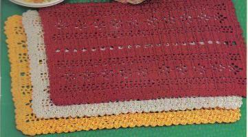 Christmas Placemat Crochet Pattern | AllFreeCrochet.com