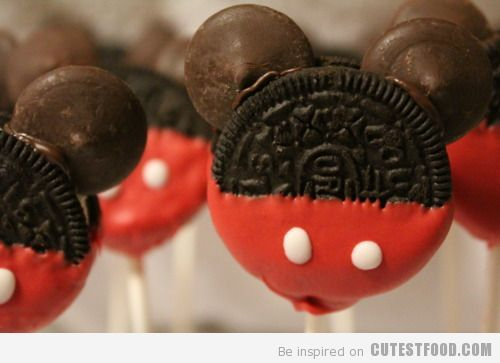 Mickey Oreos w/chocolate chip ears ~ idea